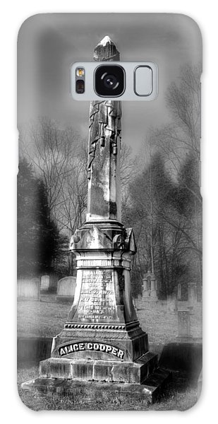 Alice Cooper Galaxy Case - Alice Cooper Grave In Black And White by Greg and Chrystal Mimbs