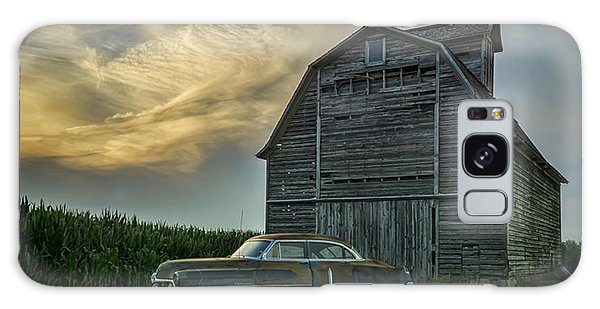 An Old Cadillac By A Barn And Cornfield Galaxy Case