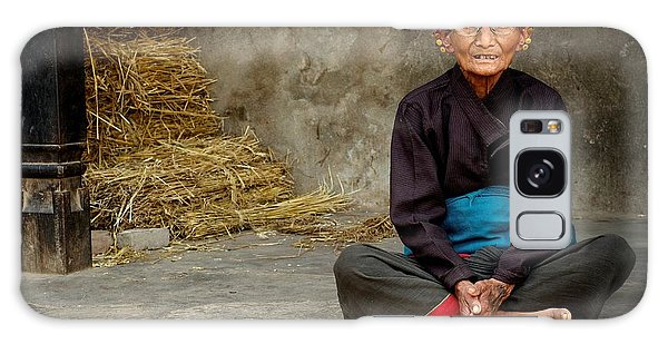 An Old Woman In Bhaktapur Galaxy Case