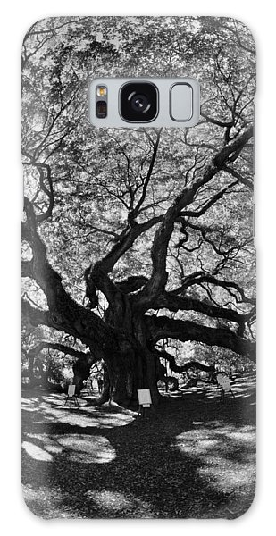 Angel Oak Johns Island Black And White Galaxy Case