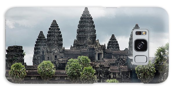Angkor Wat Focus  Galaxy Case by Chuck Kuhn