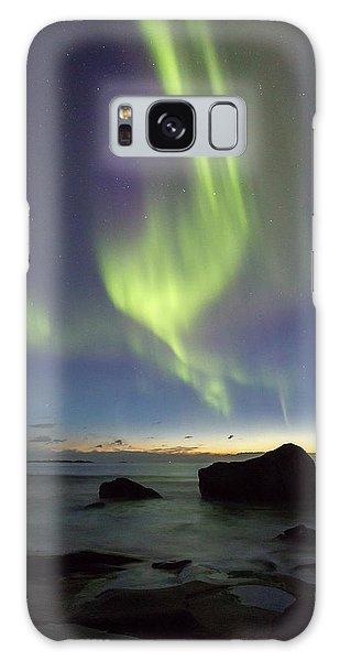 Aurora At Uttakleiv Galaxy Case