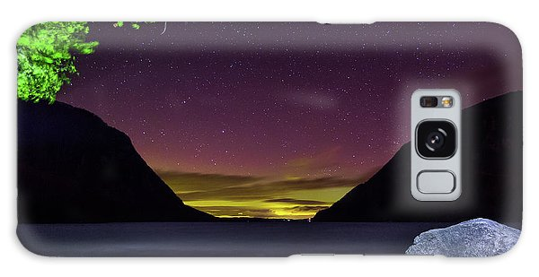 Aurora Over Lake Willoughby Galaxy Case