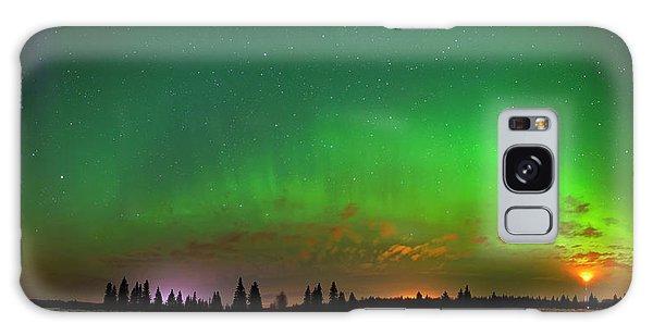 Aurora Over Pond Panorama Galaxy Case