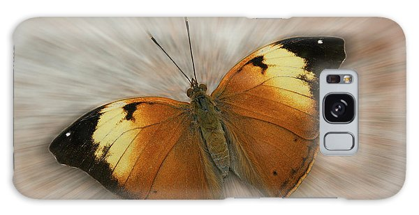 Autumn Leaf Butterfly Zoom Galaxy Case