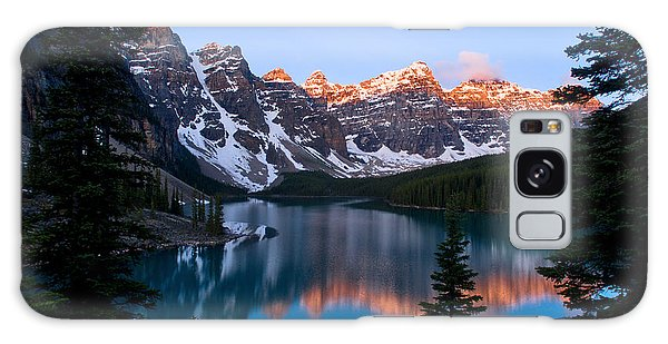 Banff - Moraine Lake Sunrise Galaxy Case