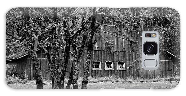 Galaxy Case - Barn And Tree by Bob Neiman