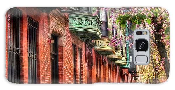 Bay Village Brownstones And Cherry Blossoms - Boston Galaxy Case