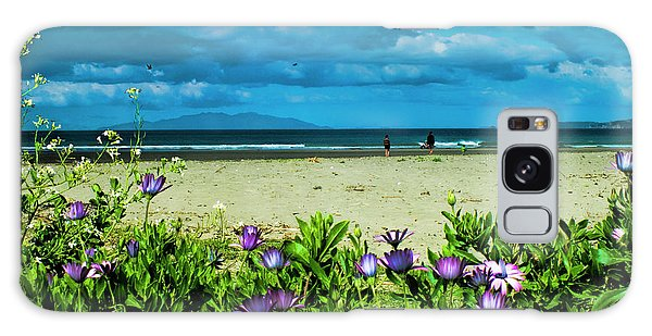 Beach Daisies Galaxy Case by Karen Lewis