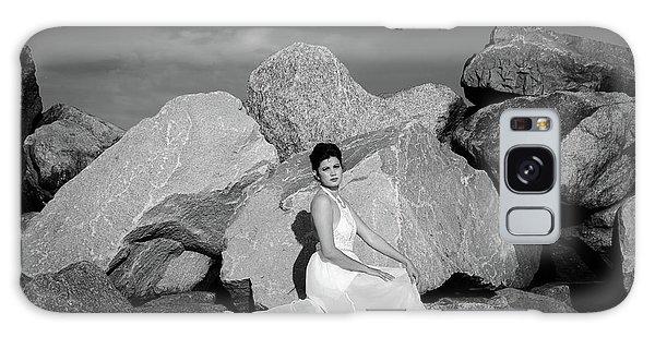 Beauty On The Rocks Galaxy Case