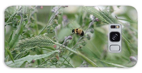 Bee In Flight Galaxy Case