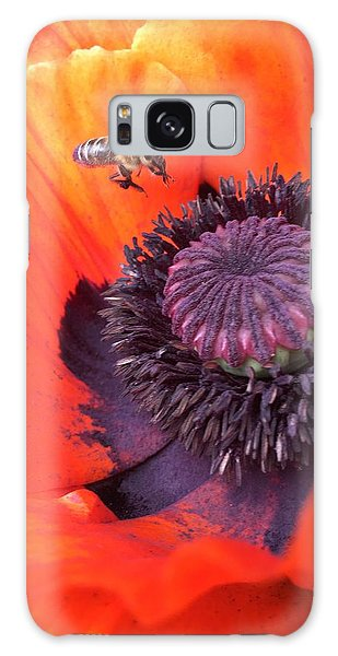 Galaxy S8 Case - Bee Is Visiting A Poppy by Orphelia Aristal