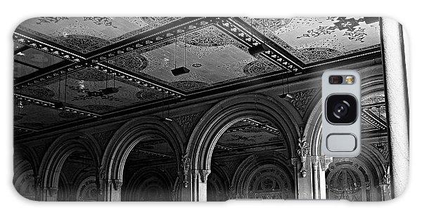 Bethesda Terrace Arcade In Central Park - Bw Galaxy Case