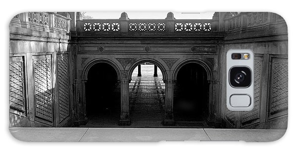 Bethesda Terrace In Central Park - Bw Galaxy Case