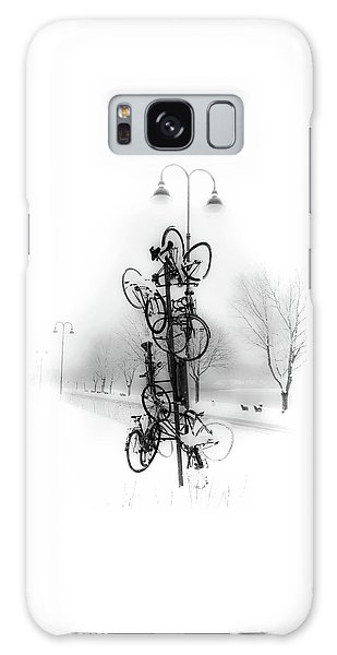 Bicycle Lamppost In Winter Galaxy Case