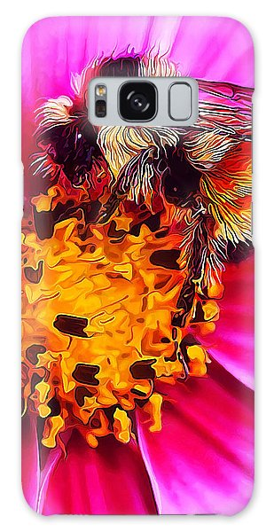 Big Bumble On Pink Galaxy Case