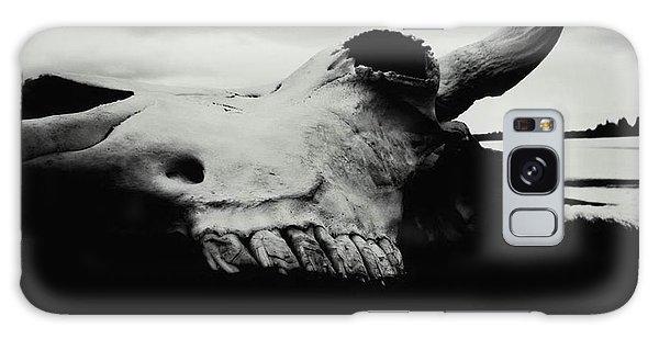 Bison Skull Black White Galaxy Case
