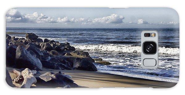 Black Sand Beach  Galaxy Case by Douglas Barnard