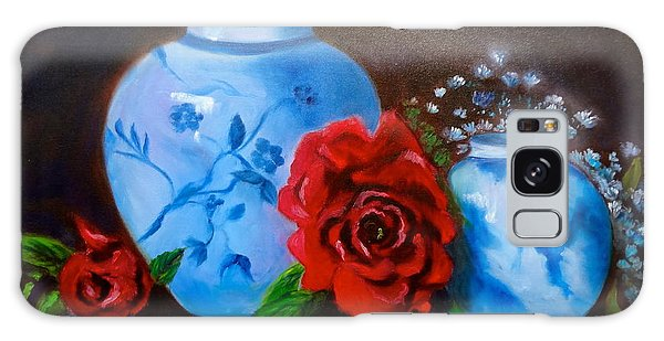 Blue And White Pottery And Red Roses Galaxy Case