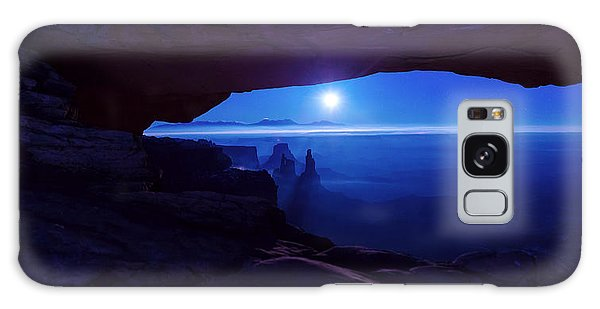 Islands In The Sky Galaxy Case - Blue Mesa Arch by Chad Dutson
