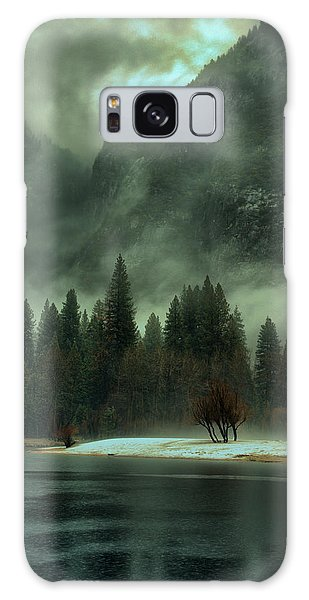 Blustery Yosemite Galaxy Case