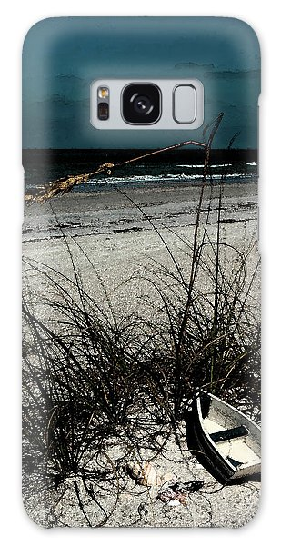 Boat On The Beach Galaxy Case