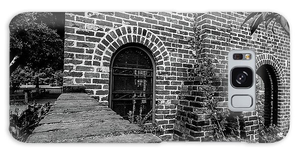 Brick Courtyard In Black And White Galaxy Case