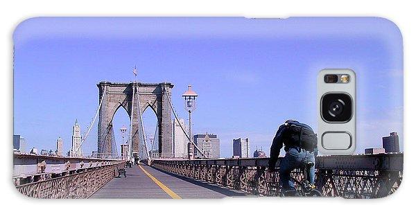Brooklyn Bridge Bicyclist Galaxy Case