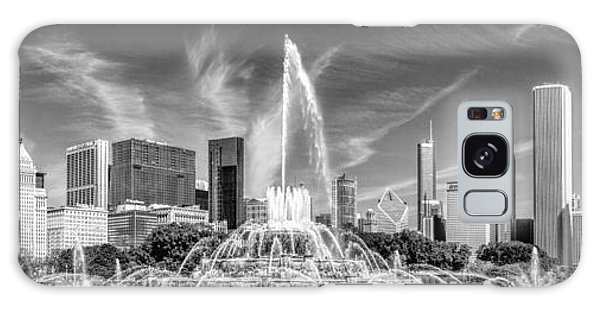 Buckingham Fountain Skyline Panorama Black And White Galaxy Case
