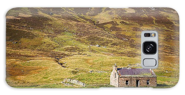 Cottage Galaxy Case - Cairngorms Cottage by Jane Rix