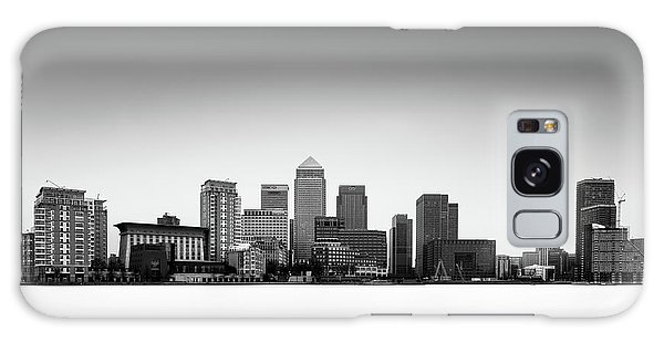 Canary Wharf Skyline Galaxy Case by Ivo Kerssemakers