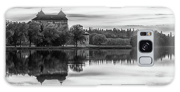 Castle In Black And White Galaxy Case