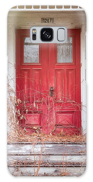 Charming Old Red Doors Portrait Galaxy Case
