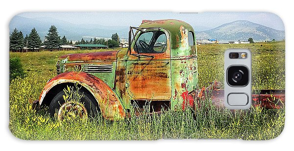 Chevy In A Field Galaxy Case by Terry Rowe