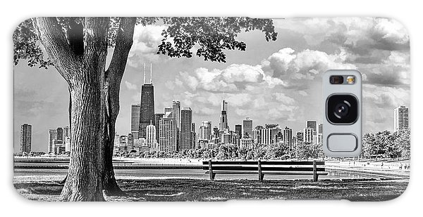 Chicago North Skyline Park Black And White Galaxy Case