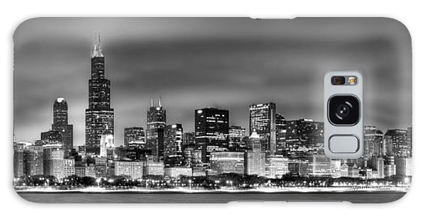 Lake Michigan Galaxy S8 Case - Chicago Skyline At Night Black And White by Jon Holiday