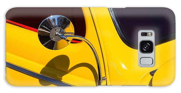 Chrome Mirrored To Yellow Galaxy Case