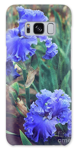 Galaxy Case featuring the photograph Close To Heaven by Linda Lees