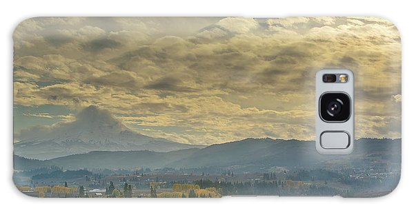 Clouds And Sun Rays Over Mount Hood And Hood River Oregon Galaxy Case