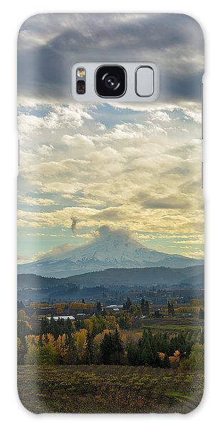 Cloudy Day Over Mount Hood At Hood River Oregon Galaxy Case