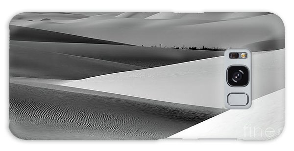 Galaxy Case featuring the photograph Contrasting Sand by Brian Spencer
