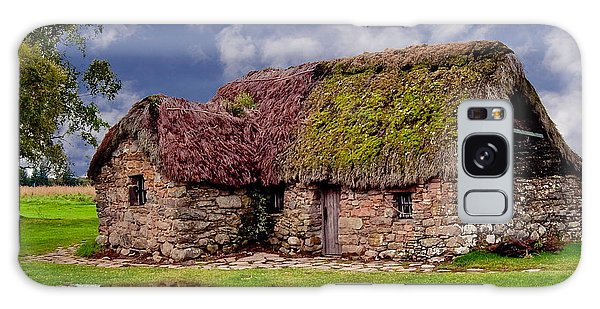 Cottage In The Highlands Galaxy Case