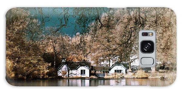 Cottage On The Lake Galaxy Case