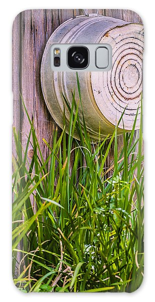 Galaxy Case featuring the photograph Country Bath Tub by Carolyn Marshall