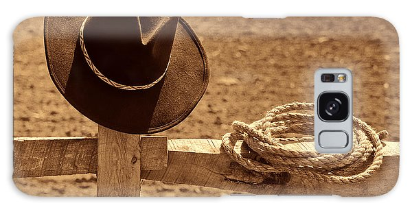 Cowboy Hat And Rope On A Fence Galaxy Case