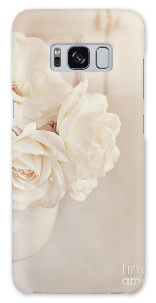 Cream Roses In Vase Galaxy Case