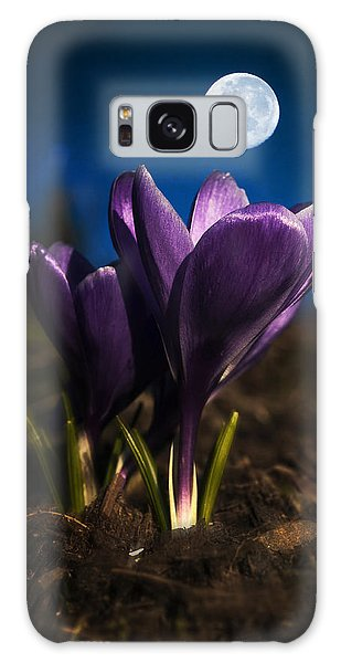 Crocus Moon Galaxy Case