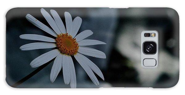 Daisy In Gloom Galaxy Case
