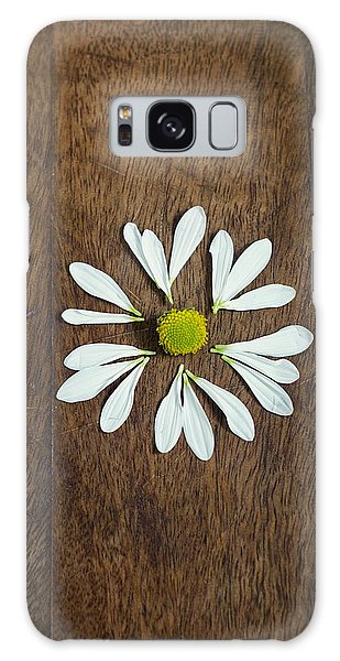 Daisy Petals On Wooden Background  Galaxy Case