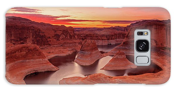 Dawn Sky Above Reflection Canyon. Galaxy Case